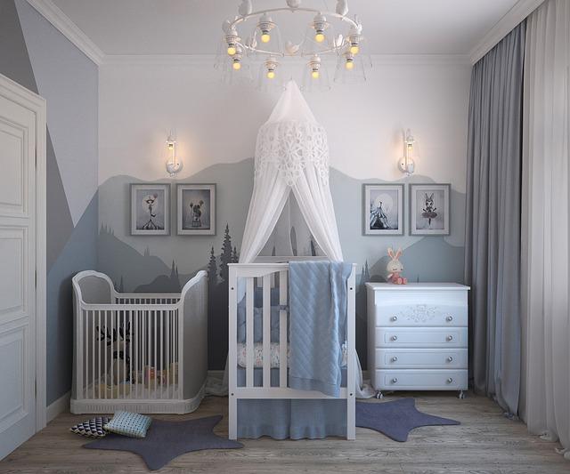 quarto de bebe decorado com comoda branca