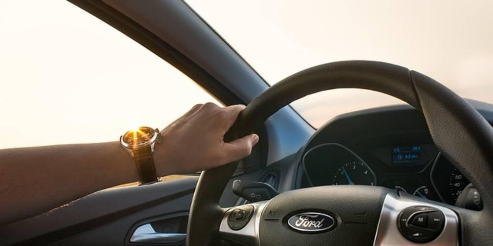 Câmbio automático x câmbio manual: entenda a diferença antes de comprar um carro